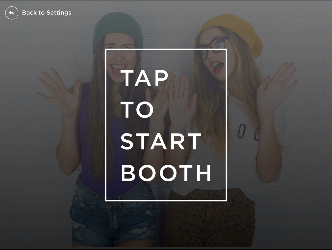 Simple Booth Tap to Start screen